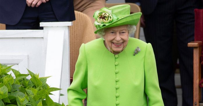 American tourists do not recognize the queen - the emperor jokes with her