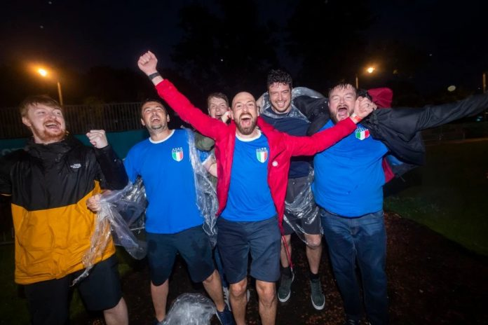 Euro 2020, Scottish fans celebrate for Italy's win against England - VIDEO