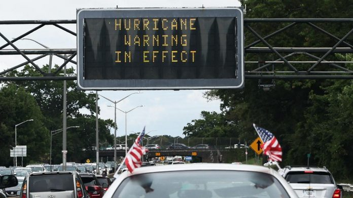 The Northeast US is preparing for Hurricane Henry.  New York is in an emergency