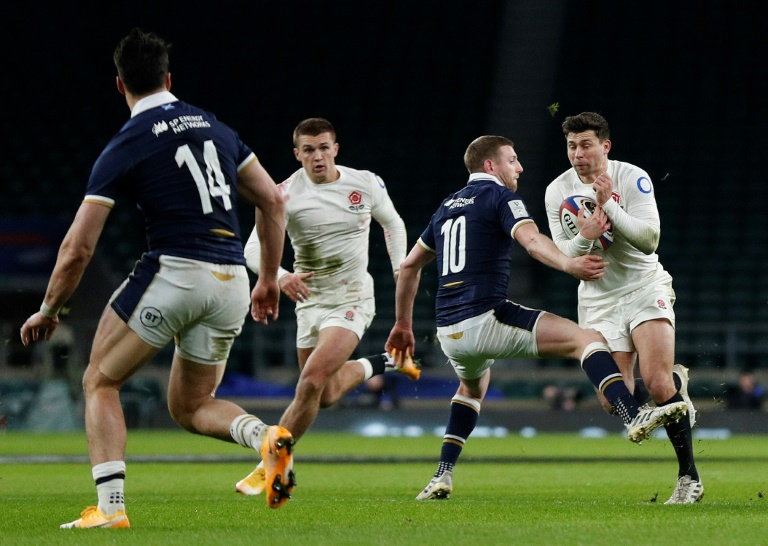 Scottish midfielder Finn Russell crashes on England half Ben Youngs during their Six Nations match in Twickenham (AFP - Adrian Dennis) on February 6, 2021.