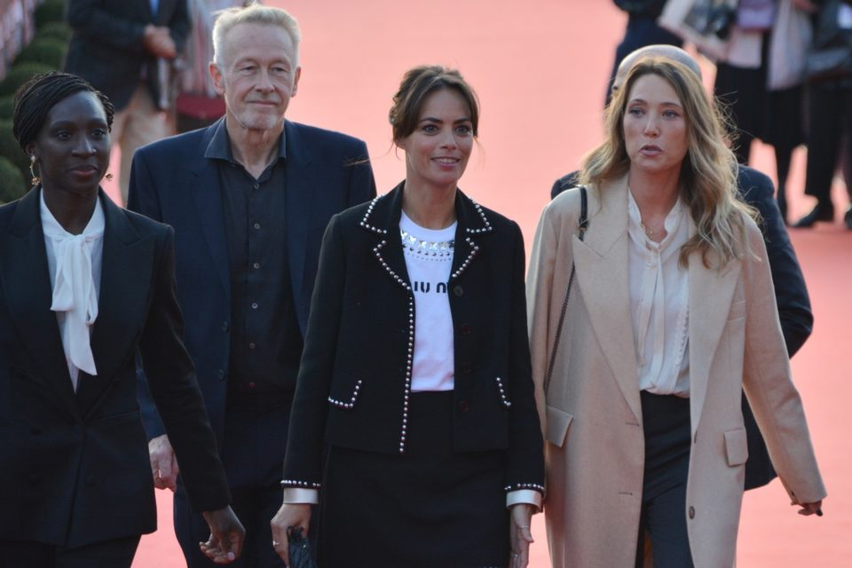 Berenice Bejo, I Hadra surrounded by part of the jury, Paul Webster and Laura Smet